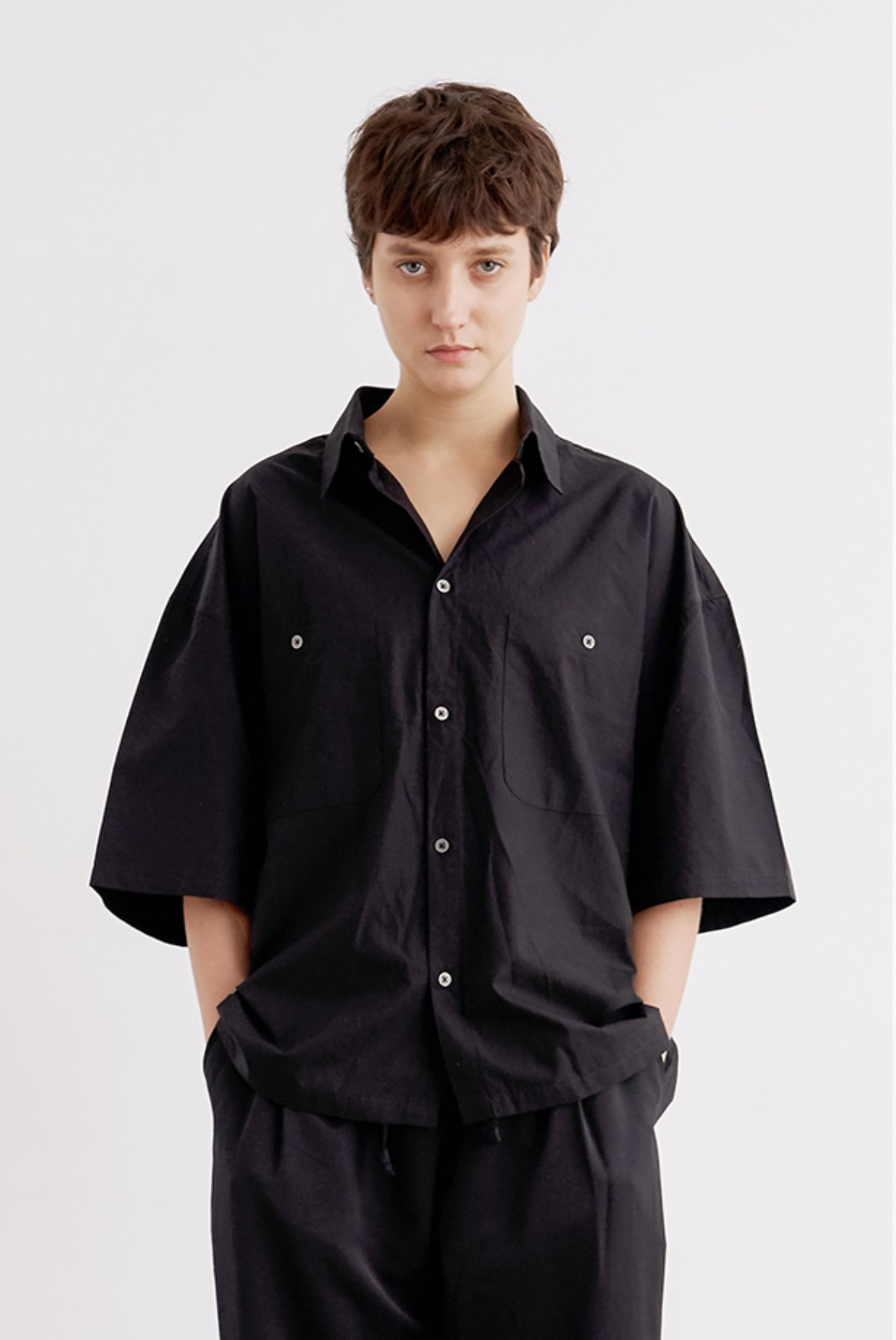 Tencel Crop Shirts [Black]